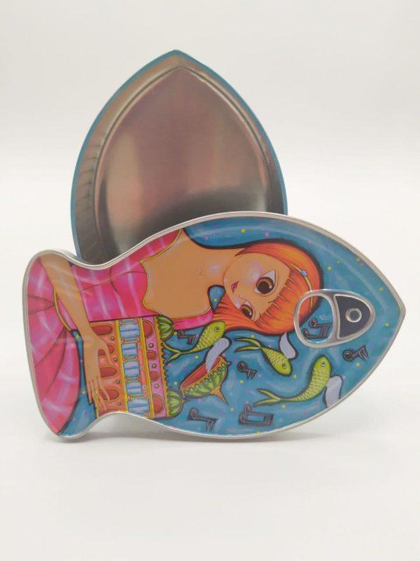 Caja metálica forma de pez Coralie Joulin 2020 abierta para observar el detalle